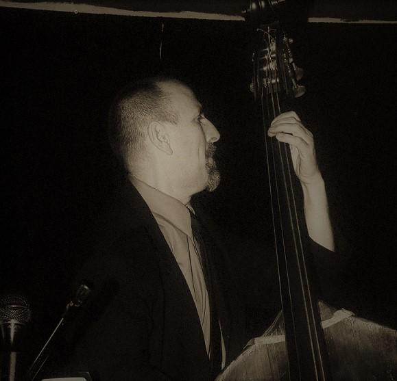 Ed Bennett bassist. Photo by: Jane A. Johnson.